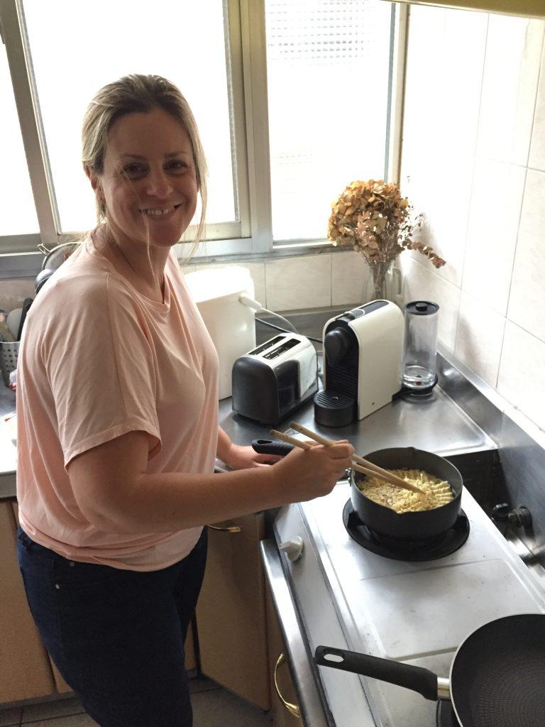 Lingo Mama Cooking in Taipei apartment